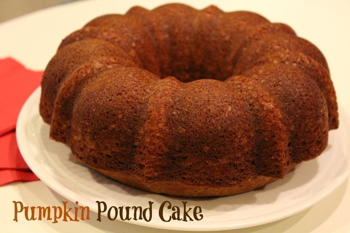 Easy & Delicious Pumpkin Pound Cake