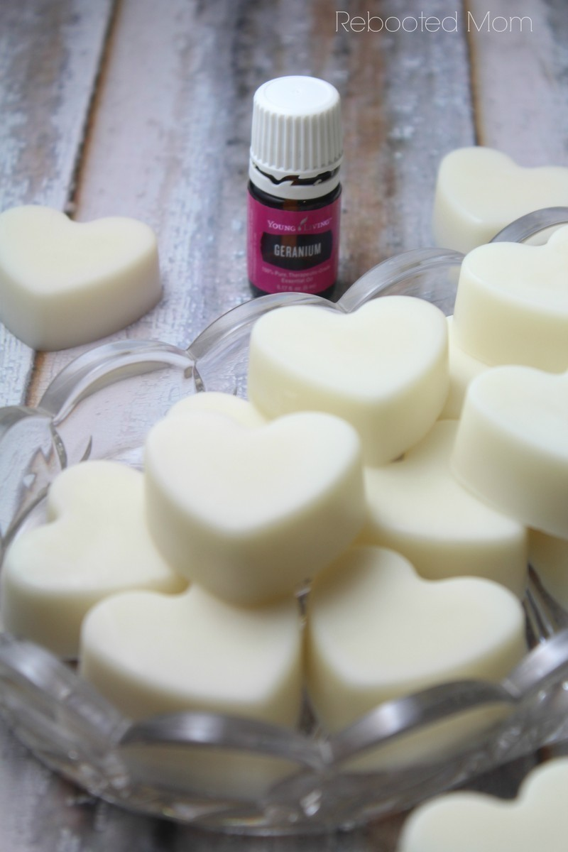 These Essential Oil Lotion Bars are SO easy to make - and the perfect gift for Mother's Day or Valentine's Day.