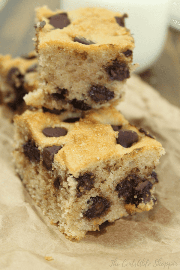 These chocolate chip blondies are a cinch to make ~ just a few simple ingredients lends way to a rich, decadent snack that's grain free, and gluten free with no refined sugar.