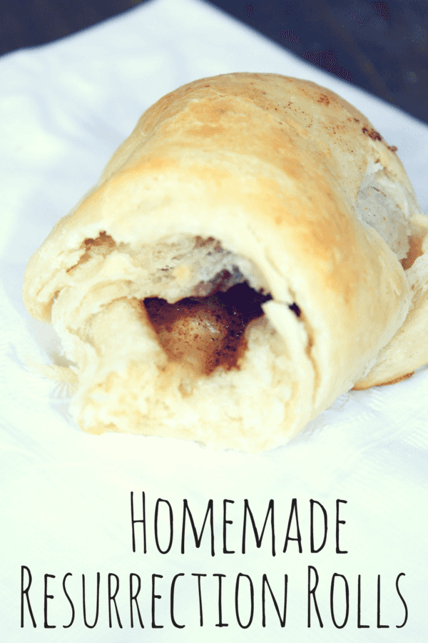 Easter is just around the corner - whip up these homemade resurrection rolls with the kids to rejoice in the fact that he has risen!