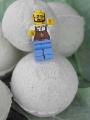 DIY LEGO Bath Bombs
