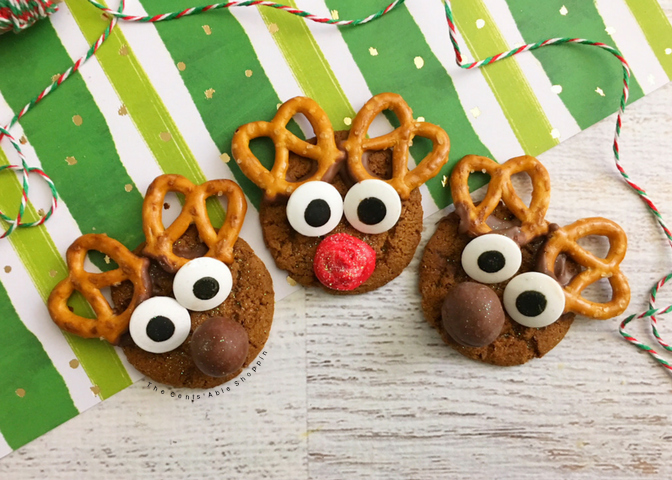 These adorable Gingersnap Reindeer Cookies are the perfect way to celebrate the Holiday Season and even better to gift to family and friends!
