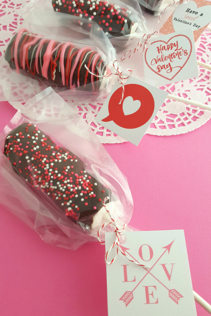 Print out these cute gift tags and make these yummy Valentine Marshmallow Pops as gifts for teachers, friends and even family this Valentine's Day - they will be hard to resist! #ValentinesDay #teacher #gift #homemadegift #Love #printable
