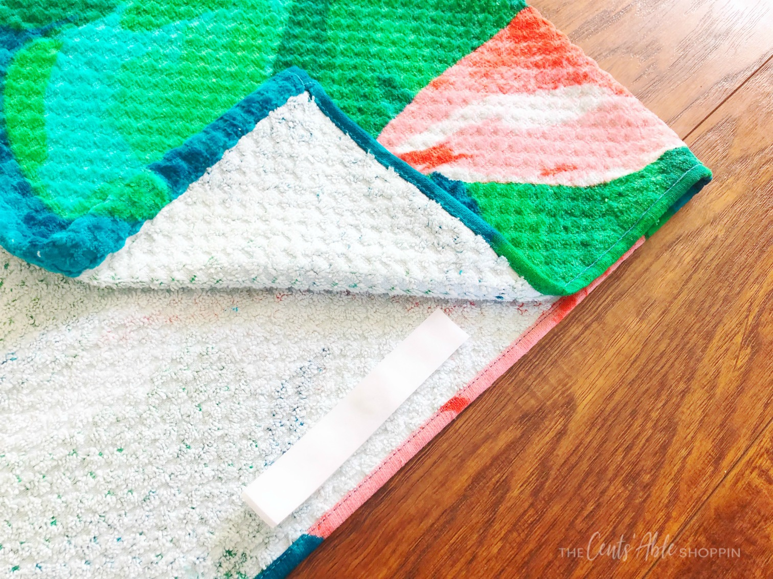 Velcro on Beach Towels \\ This simple beach towel DIY takes just minutes and will prevent your towel from slipping off your chair when relaxing around the pool or beach this summer!