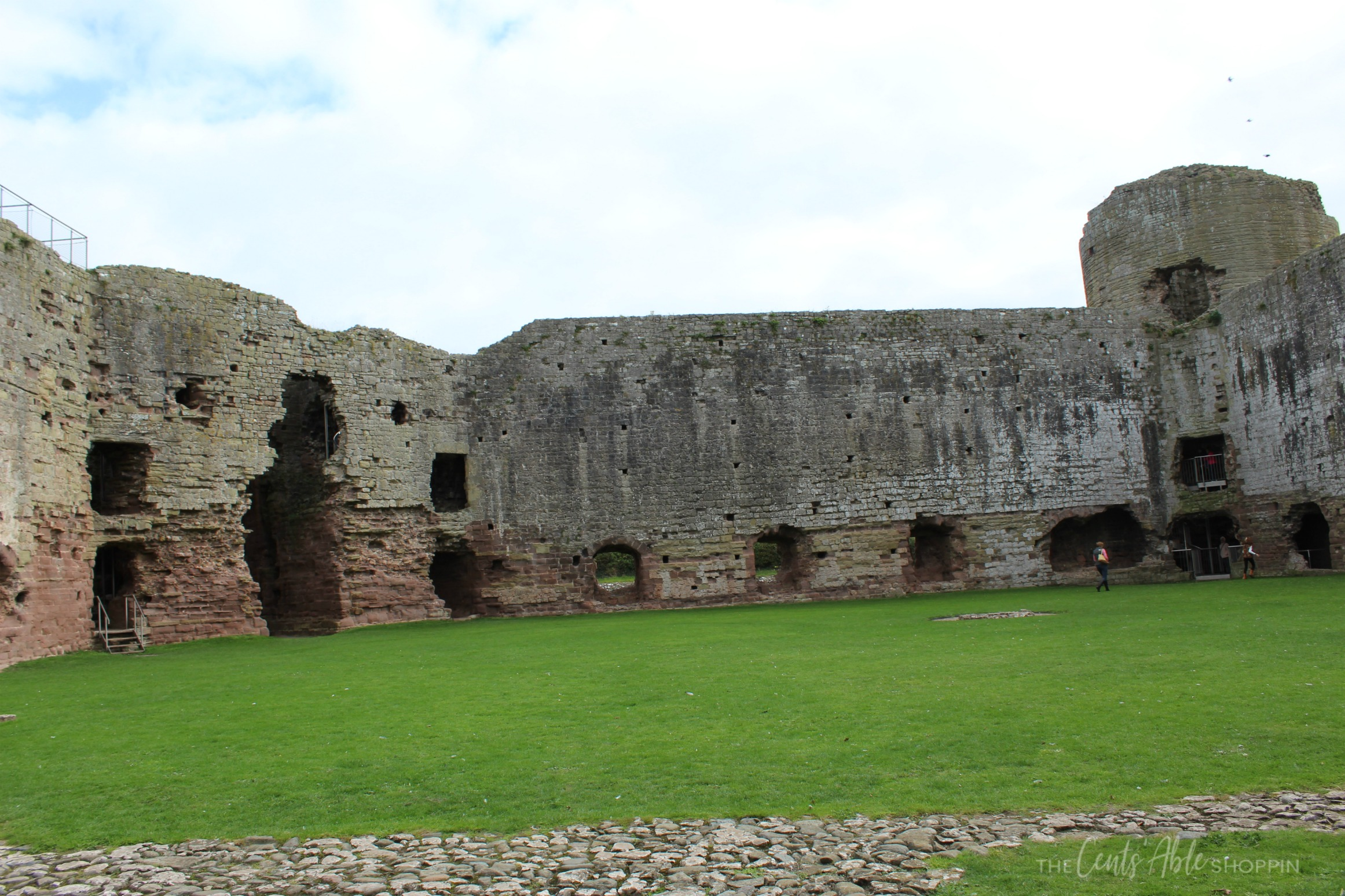Castle  Courtyard \\  Rhuddlan Castle is a castle located in Rhuddlan, Denbighshire, Wales. It was one of a series of castles erected by King Edward I in 1277.
