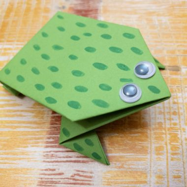 Leap Frog Paper Craft
