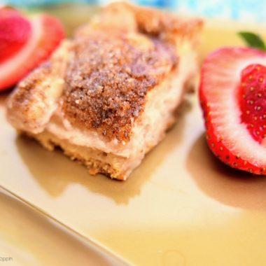 Strawberry Cheesecake Sopapilla Bars